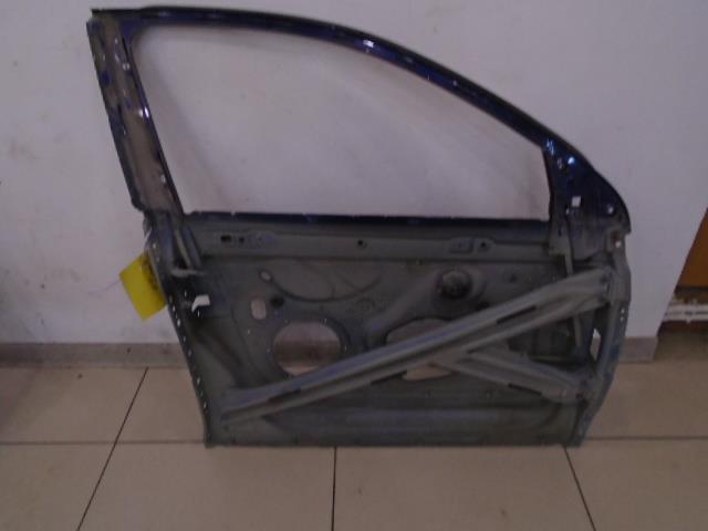 Рамка двери передней правой Volkswagen Jetta 1K2